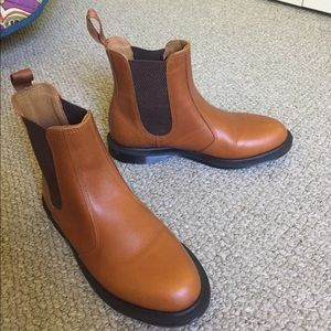 Dr. martens brown chelsea boot